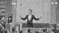 """Nei lontani anni intorno al 1880, le riviste commerciali delle scienze elettriche stavano predicendo """"l'elettricità gratis"""" nel prossimo futuro. Incredibili scoperte riguardo la natura dell'elettricità stavano divenendo di dominio pubblico. […]"""